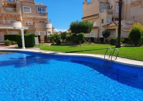 Strøken bolig på Playa Flamenca – meget sentralt og attraktivt område!